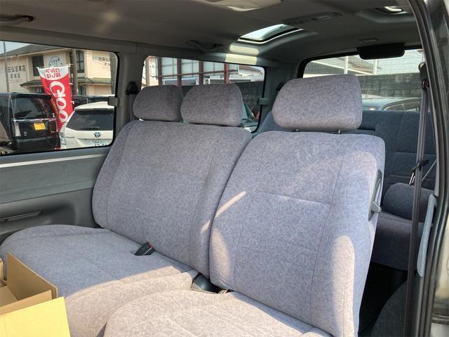 スーパーカスタムG 4WD サンルーフ ナビ AW ETC 8名乗り AC オーディオ付 DVD AT ディーゼルターボ(26枚目)
