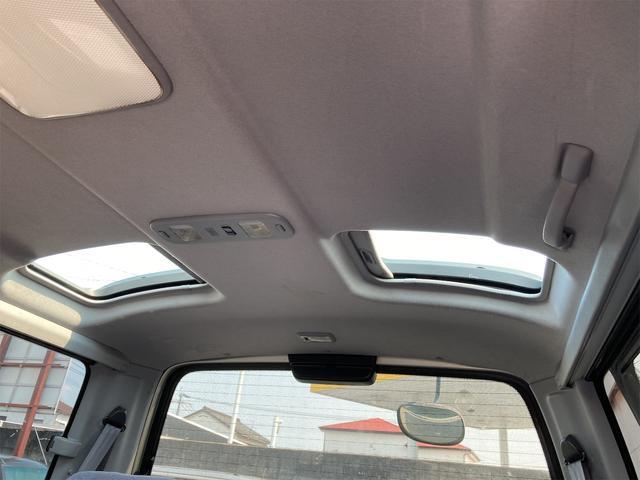 スーパーカスタムG 4WD サンルーフ ナビ AW ETC 8名乗り AC オーディオ付 DVD AT ディーゼルターボ(30枚目)