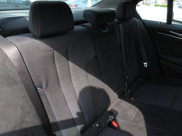 523d ブラックアウト 限定車 BMW正規認定中古車(8枚目)