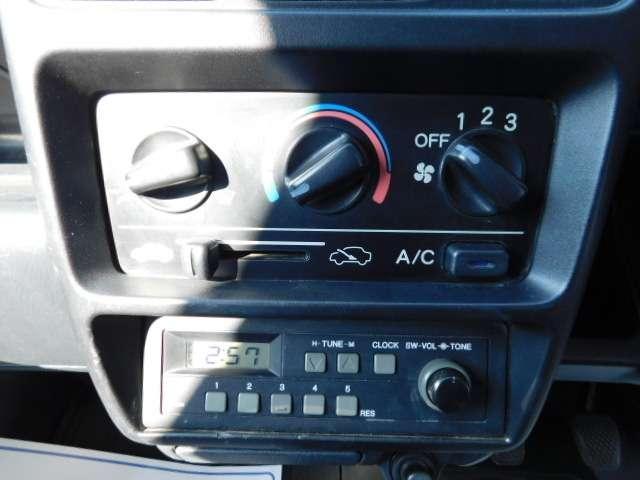 ホンダ アクティトラック SDX 4WD 5速MT パワステ エアコン ブラック全塗装