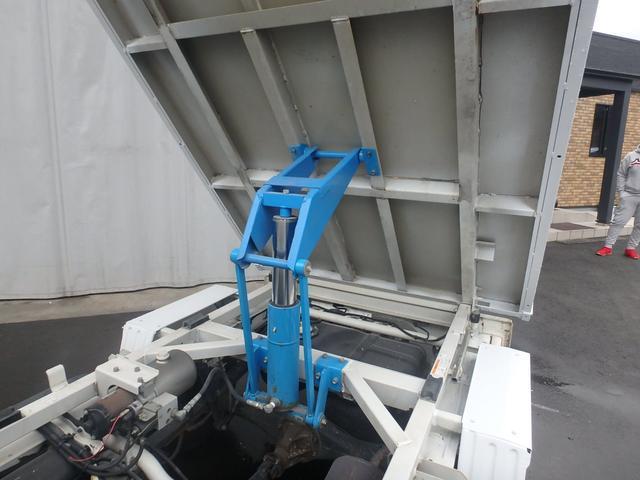 清掃深ダンプ パートタイム4WD 全塗装済 5速MT(16枚目)
