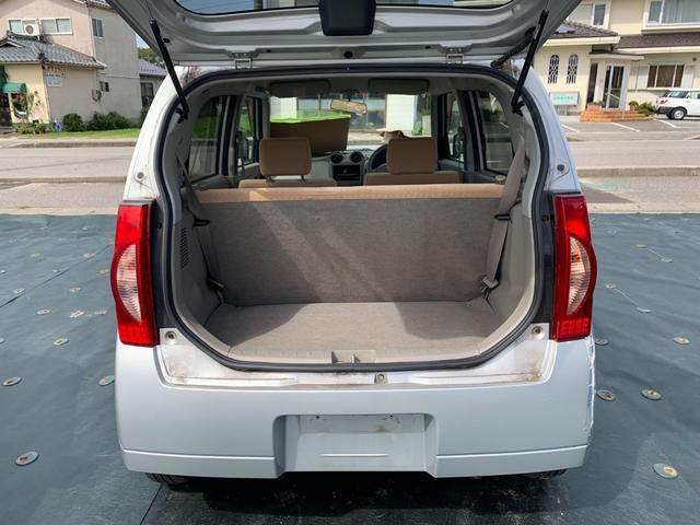 S FOUR 4WD 盗難防止システム 衝突安全ボディ 運転席・助手席エアバッグ エアコン 社外13インチアルミホイール シートベージュ(12枚目)