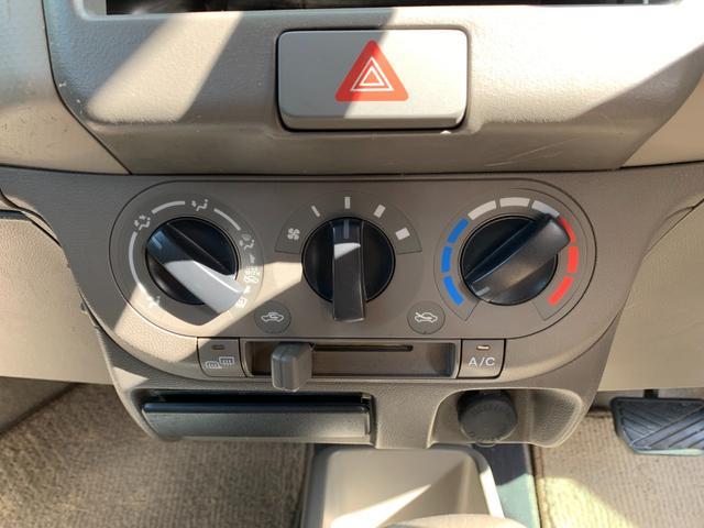 S FOUR 4WD 盗難防止システム 衝突安全ボディ 運転席・助手席エアバッグ エアコン 社外13インチアルミホイール シートベージュ(24枚目)