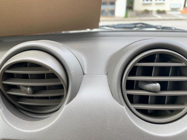 S FOUR 4WD 盗難防止システム 衝突安全ボディ 運転席・助手席エアバッグ エアコン 社外13インチアルミホイール シートベージュ(26枚目)
