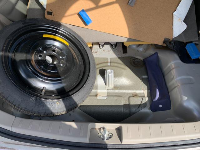 S FOUR 4WD 盗難防止システム 衝突安全ボディ 運転席・助手席エアバッグ エアコン 社外13インチアルミホイール シートベージュ(50枚目)