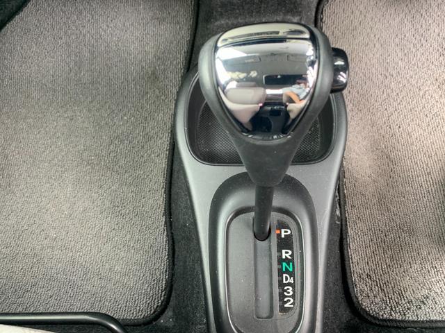 Xリミテッド 盗難防止システム 衝突安全ボディ HID 運転席・助手席エアバッグ キーレス ウインカーミラー 純正14インチアルミホイール CD MD(40枚目)