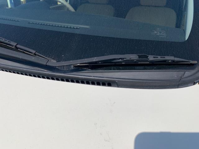 盗難防止システム 衝突安全ボディ 運転席・助手席エアバッグ キーレス CD オートエアコン 社外アルミホイール パワーステアリング(12枚目)