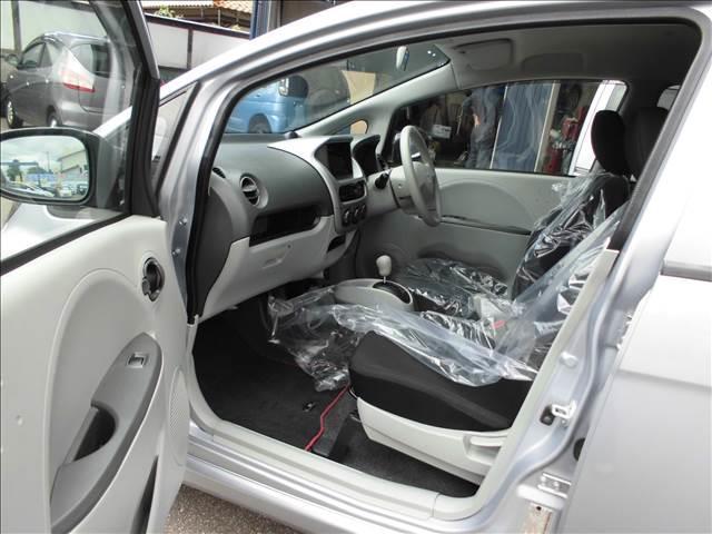 ABS Wエアバック 衝突安全ボディを装備しています