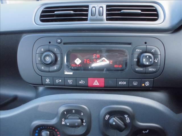 純正CD ステアリングスイッチで操作できます。