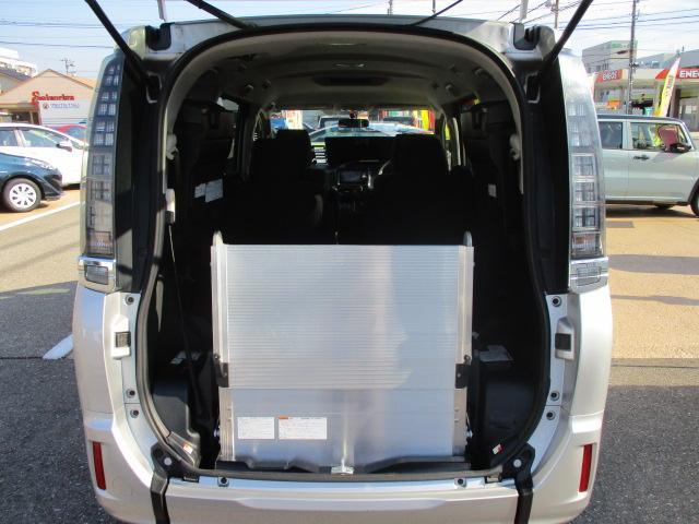 Xウェルキャブ4WD 電動スロープ 電動ウインチ 福祉車両(2枚目)
