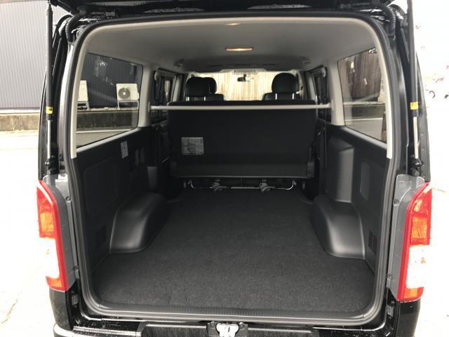 トヨタ レジアスエースバン スーパーGL ダークプライム 4WD 登録済み未使用車