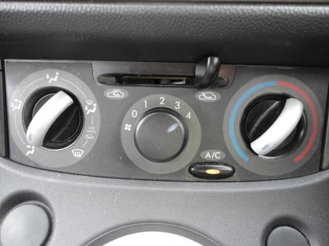 F 禁煙車 CVTオートマ CD ABS(9枚目)