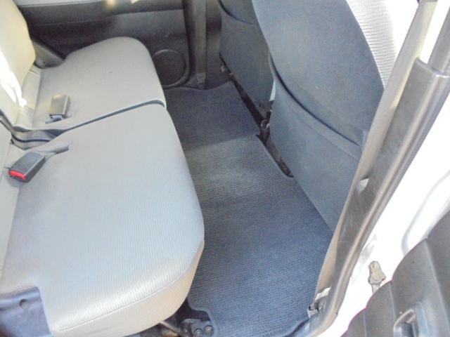 ベースグレード 4WD キーレス CD シルバー 銀色(17枚目)