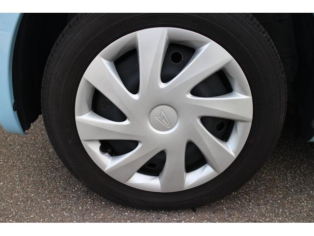 タイヤサイズは155/65R14です!残り溝もまだまだあります!人も車も足元から♪しっかりしたタイヤであなたをお守りします♪