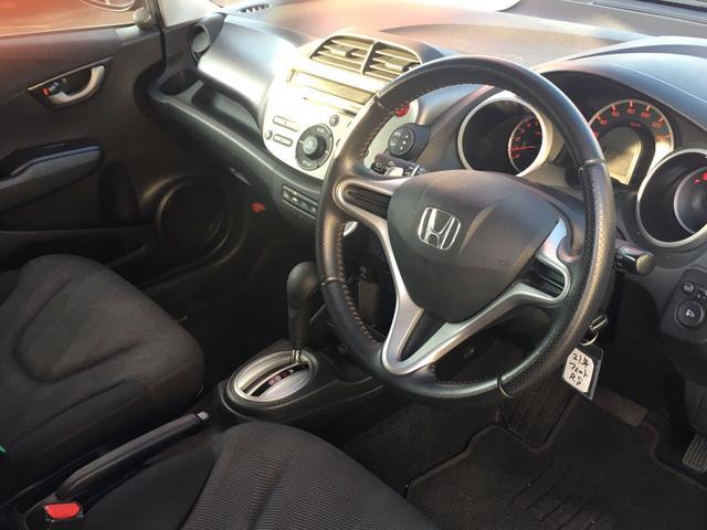 ホンダ フィット RS 社外16インチAW HID ETC