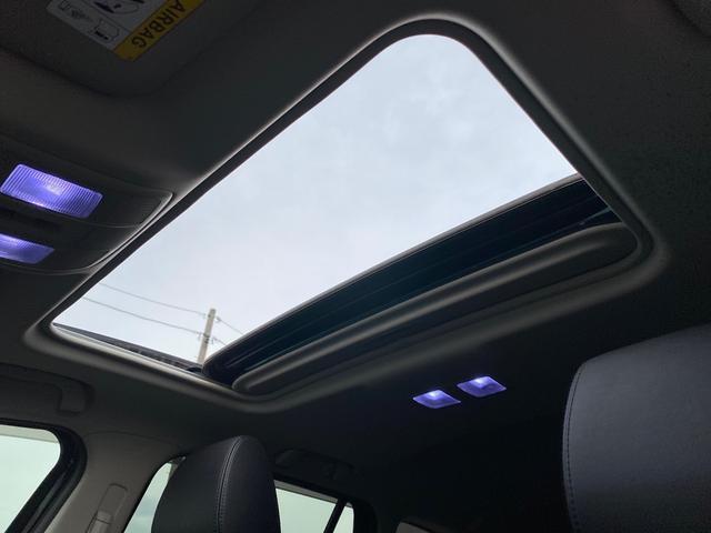 ボタン一つで天井開放すれば、いつもと違ったドライブも楽しめますよ♪