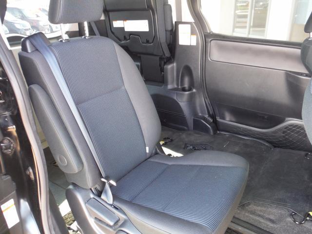 トヨタ ヴォクシー Xウェルキャブ車椅子固定2台4WD純正SDナビ1セグBカメラ