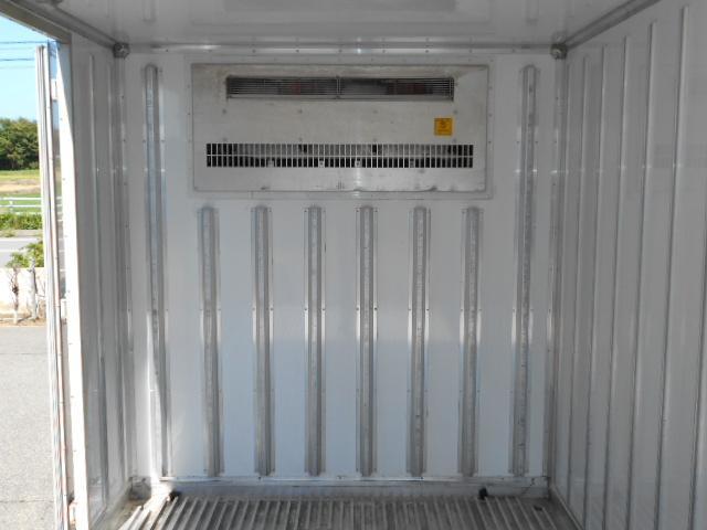 ワイド超ロング 冷蔵冷凍車 東プレ製 KS32型 2トン(9枚目)