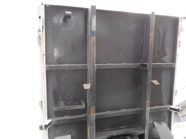 低床ダンプ 2トン 強化三方開(15枚目)