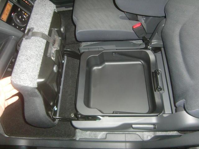FXリミテッド 4WD エネチャージ 純正エアロ リアスポ 純正アルミ ウインカードアミラー スマートキー プッシュスタート オートエアコン シートヒーター ドアミラーヒーター 純正CD/AUXオーディオ 後期モデル(18枚目)