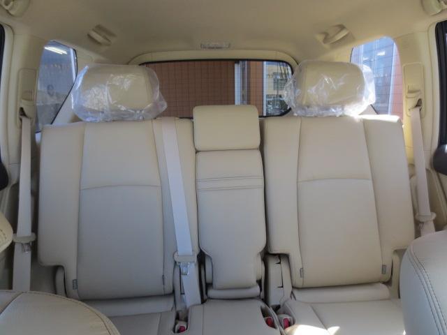 TX Lパッケージ 7人乗り 4WD 本革シート 純正アルミホイル SDナビ・フルセグTV ETC(28枚目)