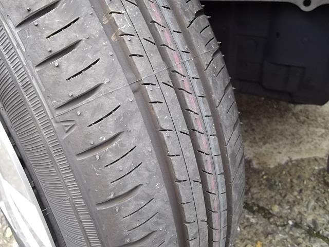 タイヤ新品装着