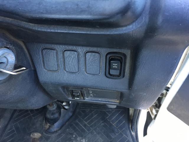 ダイハツ ハイゼットトラック ダンプ4WD 5速マニュアル車