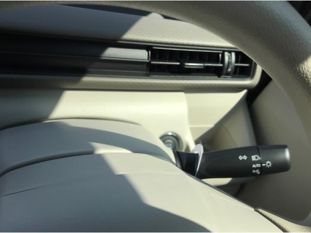 ハイブリッドFX 4WD 届出済未使用車 スズキセーフティサポート スマートキー プッシュスタート オートライト フルオートエアコン CDプレイヤー USB接続オーディオ コーナーセンサー 前席シートヒーター(24枚目)
