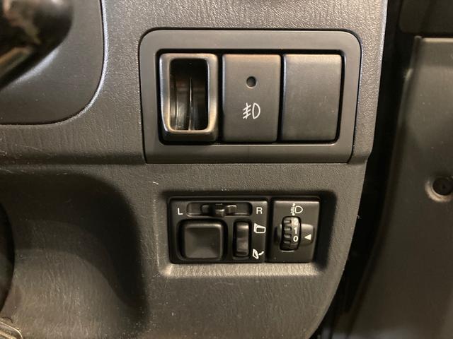 クロスアドベンチャーXC 4WD ターボ キーレス 本革 シートヒーター 純正16インチAW 背面ハードカバー 電動格納ミラー ヘッドライトレベライザー(22枚目)