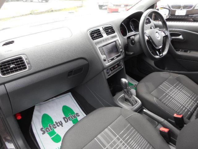 フォルクスワーゲン VW ポロ ラウンジ LEDヘッドライト LEDライナー