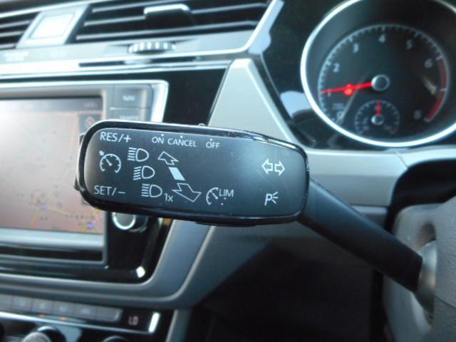 フォルクスワーゲン VW ゴルフトゥーラン TSI コンフォートライン 純正ナビTV バックカメラ