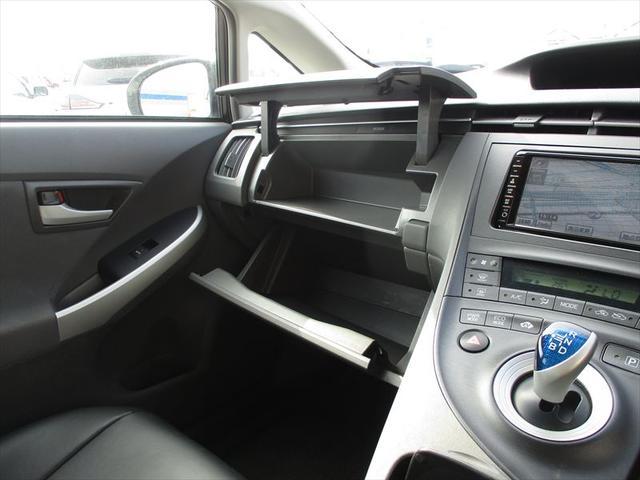 トヨタ プリウス Sツーリングセレ純正専用HDDフルセグナビ専用BカメラLED
