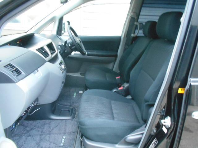 トヨタ ヴォクシー Z 4WD 両側パワースライドドア