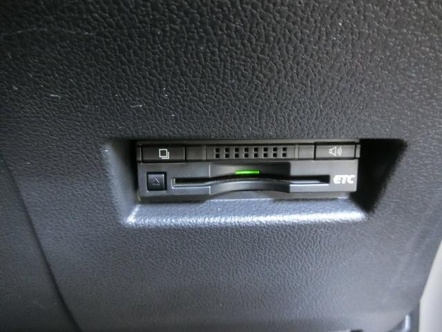 ETCを装備しています。高速道路の料金が後払いなので、料金所で止まることが無く、ノンストップでスイスイ進めます。