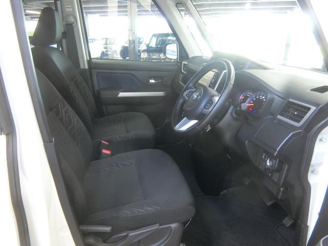 運転する方の体格に合わせて、シートの高さやステアリングの位置を、最適なポジションに調整できます。