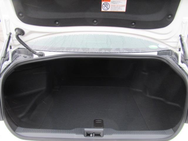 RSアドバンス Four 革シート サンルーフ 4WD フルセグ メモリーナビ DVD再生 ミュージックプレイヤー接続可 バックカメラ 衝突被害軽減システム ETC LEDヘッドランプ(6枚目)