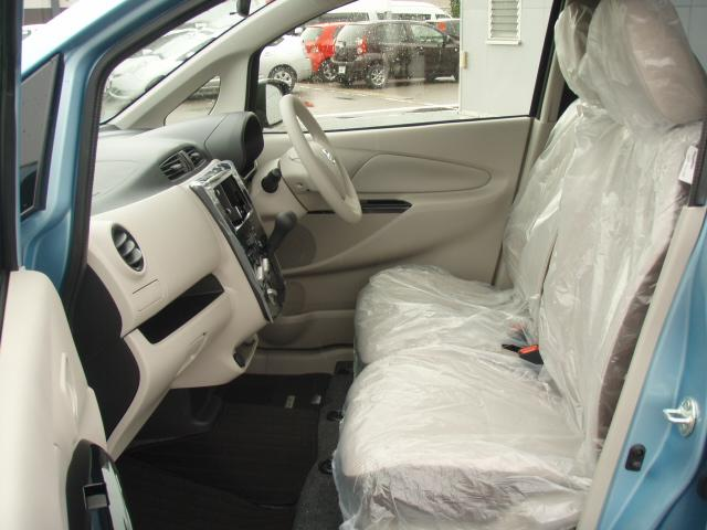 J 安全装備 登録済未使用車 キーレス ベンチシート(4枚目)