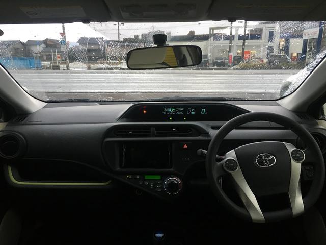 トヨタ アクア S スペアキー オートライト オートエアコン Pスタート