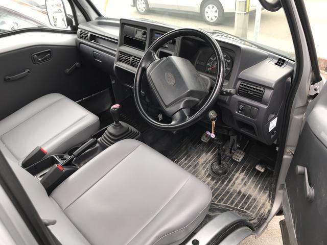 TB 4WD 5速マニュアル車 ホロ付運手席のみエアバッグ付(4枚目)