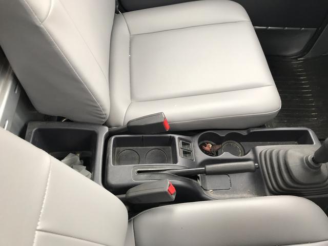 TB 4WD 5速マニュアル車 ホロ付運手席のみエアバッグ付(11枚目)