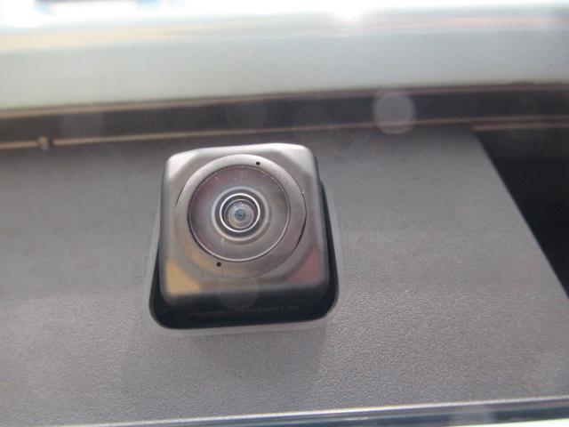 パノラマ対応カメラで駐車も安心