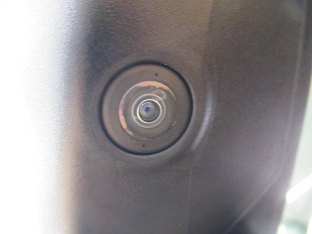 サイドミラー下にカメラがあります。