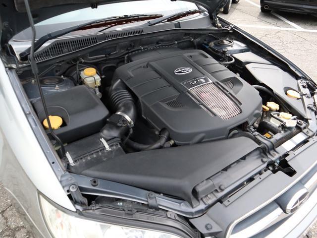 水平対向6気筒NA贅沢なエンジンをご賞味ください!
