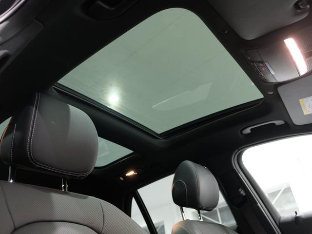 GLC220d 4マチック AMGライン パノラミックスライディングルーフ エクスクルーシブPKG 純正20インチAW ワンオーナー車(4枚目)