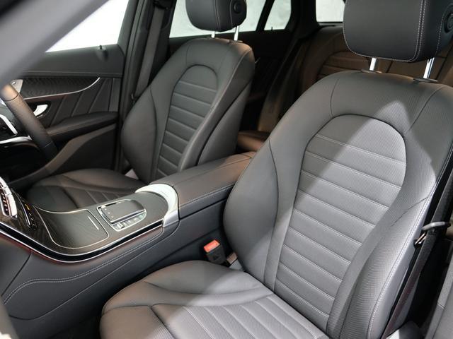 GLC220d 4マチック AMGライン パノラミックスライディングルーフ エクスクルーシブPKG 純正20インチAW ワンオーナー車(8枚目)