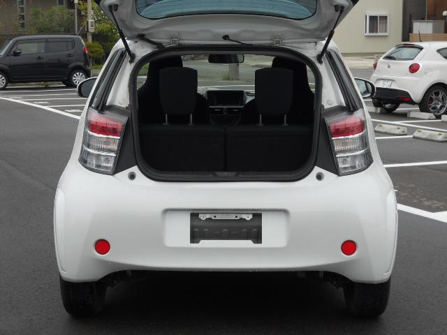 トヨタ iQ 100G レザーパッケージ HDDナビ HIDライト