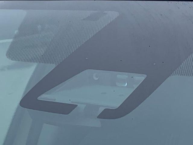 クロスオーバー 純正 9インチ メモリーナビ/シート ハーフレザー/車線逸脱防止支援システム/ヘッドランプ LED/ETC/EBD付ABS/横滑り防止装置/アイドリングストップ/TV/エアバッグ 運転席 盗難防止装置(18枚目)