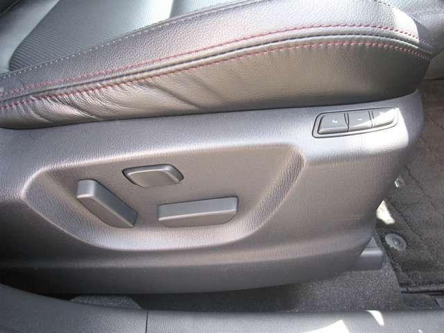 ☆運転席パワーシートは、シートスライド・リクライニング・シートリフト・シートチルト・そしてランバーサポートができます。☆