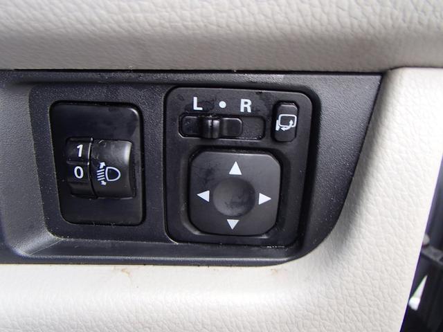 アラウンドビューモニター バックモニター CDオーディオ インテリキー2個 プッシュスタート ウィンカードアミラー アイドリングストップ 純正フロアマット ドアバイザー 純正セキュリティ オートAC