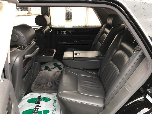 標準仕様車 デュアルEMVパッケージ レザーシート(9枚目)